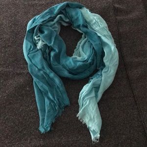 Ombré Blue Distressed Scarf *Great Condition!!*